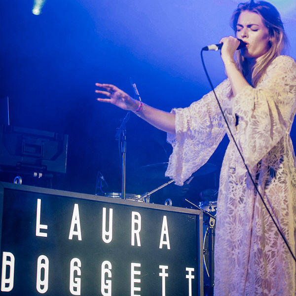 Laura Doggett Kendal Calling photos review