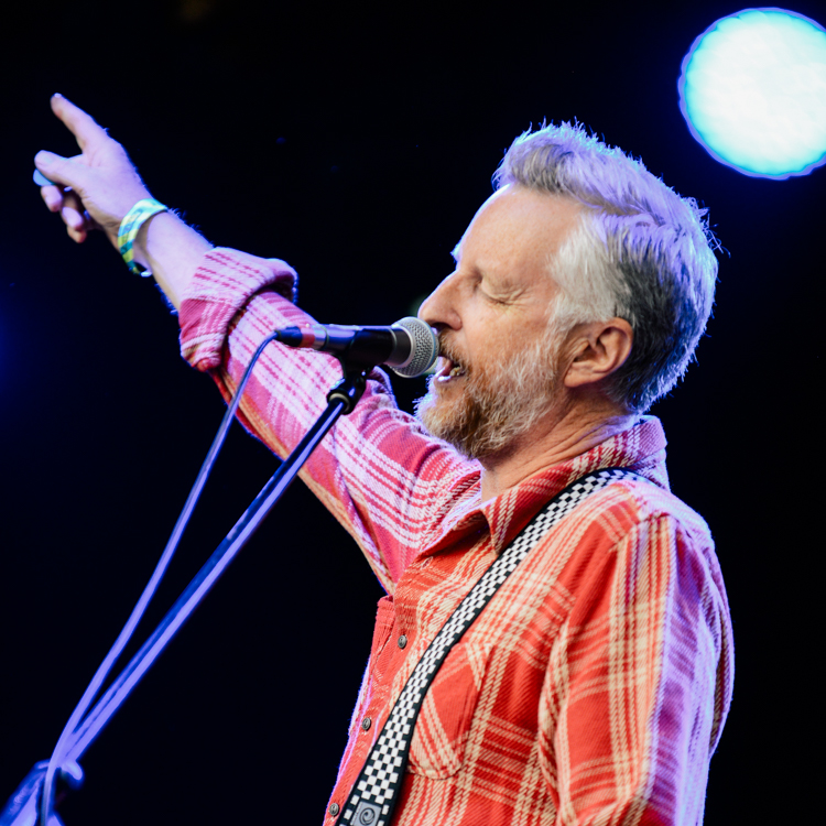 Billy Bragg Kendal Calling photos, review, setlist