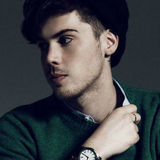 Gigwise session: Aiden Grimshaw 'Curtain Call'