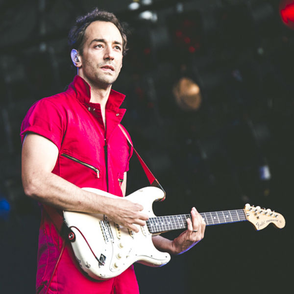 Albert Hammond Jr. streams solo album, Momentary Masters, soundcloud