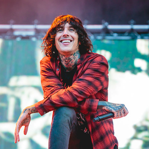 bring me the horizon 39 s stunning leeds set in photos gigwise. Black Bedroom Furniture Sets. Home Design Ideas