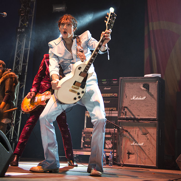 Download Festival Sunday report, The Darkness, Motley Cr�e, Kiss