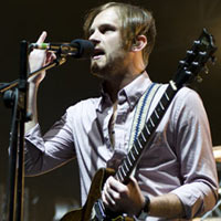 Kings Of Leon Cancel Gig After 'Pigeon Poop' Drama