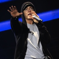 Eminem Joined by Rihanna At V Festival 2011 - Video