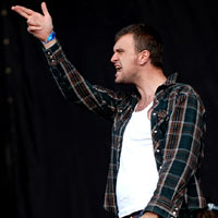 Reverend and the Makers Give Away Anti-BNP Song