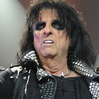 Alice Cooper told Lady Gaga to keep herself real
