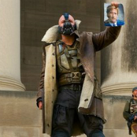 Two New Dark Knight Rises Images Shows Bane, Batman Showdown