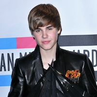 Justin Bieber Pays Tribute To Sean Kingston At Recent Show