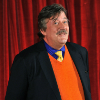 Stephen Fry: 'Peter Jackson Had Me Eating Testicles In The Hobbit'