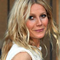 Gwyneth Paltrow defends 'n****s in paris' tweet