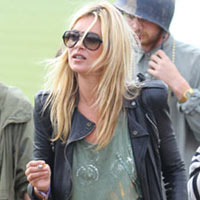 Kate Moss 'Loses Engagement Ring' At Glastonbury Festival 2011