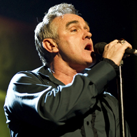 Morrissey Speaks About London Riots, Royal Family At Brixton Gig