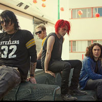 My Chemical Romance's Gerard Way Performs With Blink-182 - Video