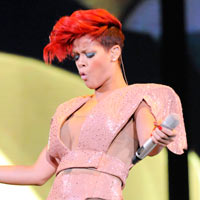 Rihanna Drawn To Eminem Song By Domestic Violence Message