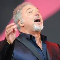 Tom Jones fails to spot support act on The Voice