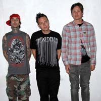 Blink 182 add extra UK tour date - tickets