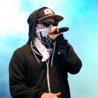 Hollywood Undead frontman says bandmates beat him up