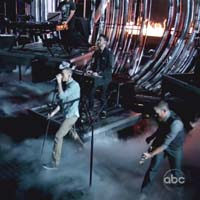 Linkin Park debut music video for 'Burn It Down' - Watch