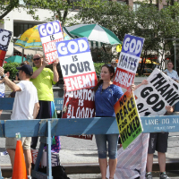 Westboro Baptist Church Use iPhones To Announce Steve Jobs Funeral Protest Plan