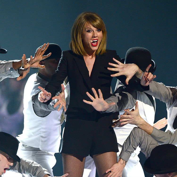 Taylor Swift's 1989 concert bracelets saved fans' lives