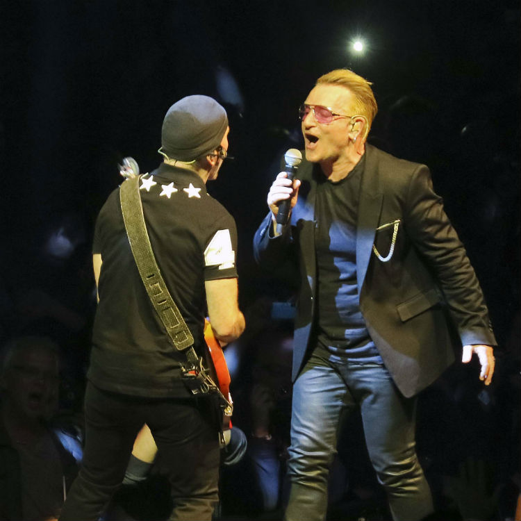 U2 tribute to Dennis Sheehan during 2015 tour
