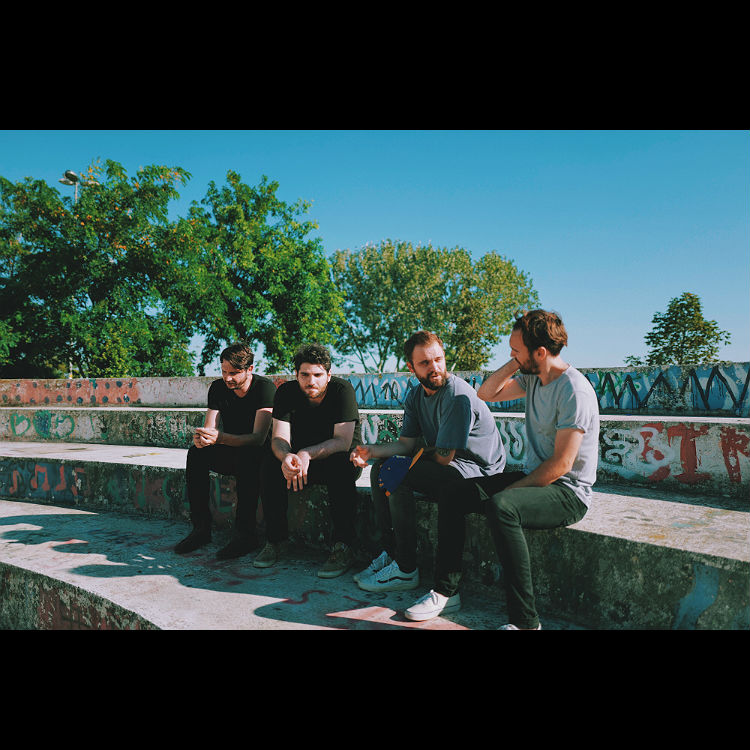 Watch video World Horizon Istanbul band indie The Away Days
