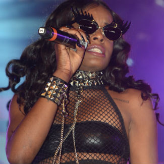 Azealia Banks slams own fans, say she 'hates hipsters'