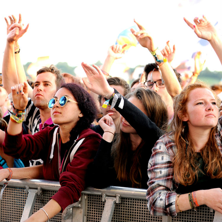Glastonbury 2015 atmosphere photo gallery, beautiful people