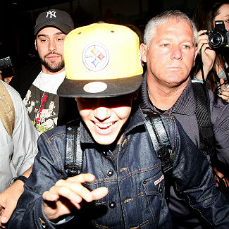 Justin Bieber promises to grow and learn after drug allegations