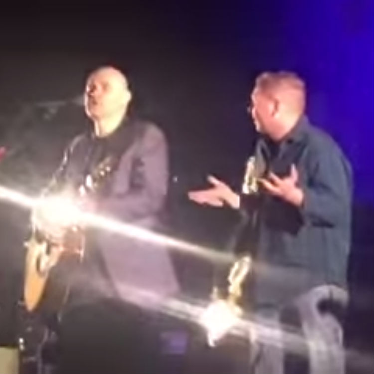 Billy Corgan video threatens to punch fan in face in Memphis