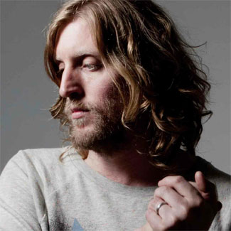 Andy Burrows performs new single live and acoustic