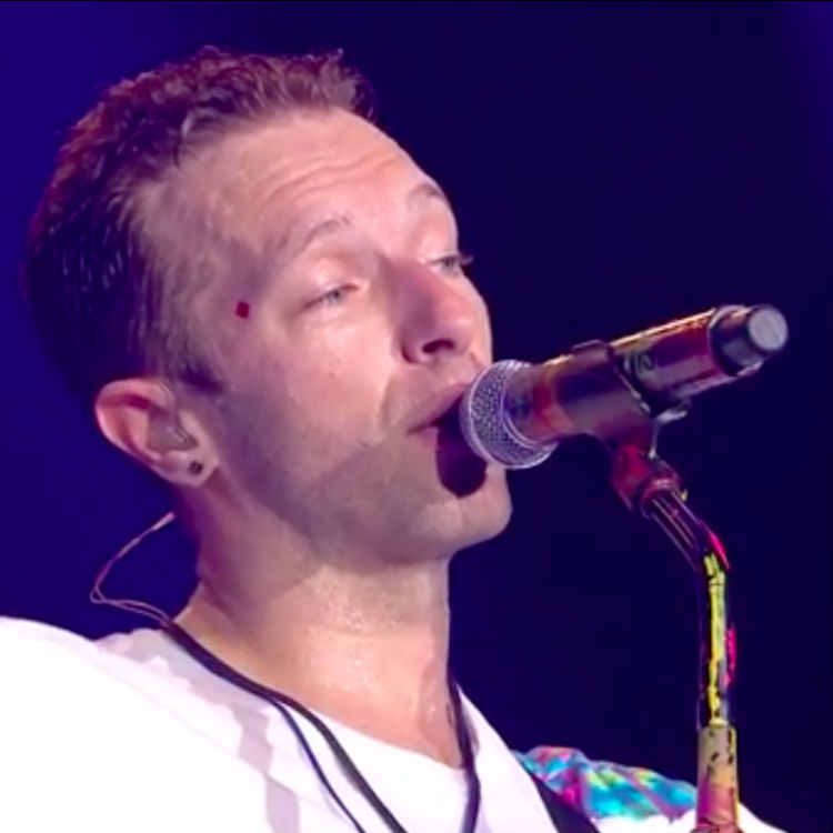 Coldplay pay tribute to Viola Beach at Glastonbury Festival 2016