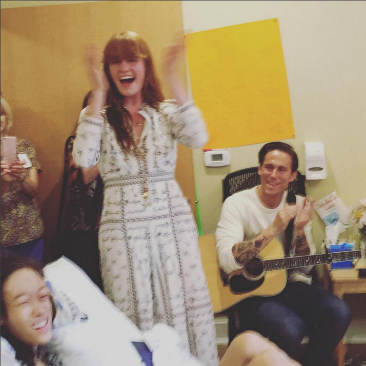 Florence Welch performs private gig teenage cancer suffer Karinya Chen