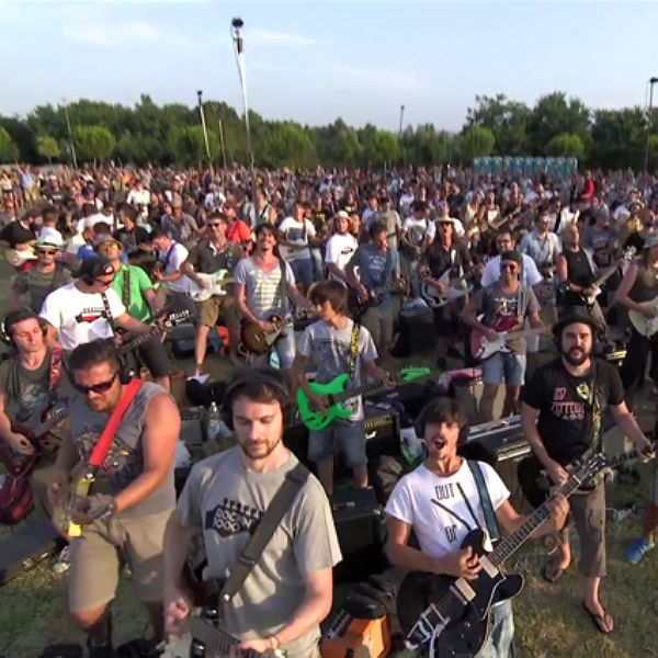 1000 Foo Fighters fans cover Learn To Fly in Italian gig campaign