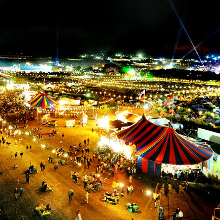 Glastonbury Festival 2015 atmosphere photos, spectacular sights