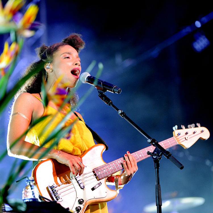 Lianne La Havas Glastonbury festival photos
