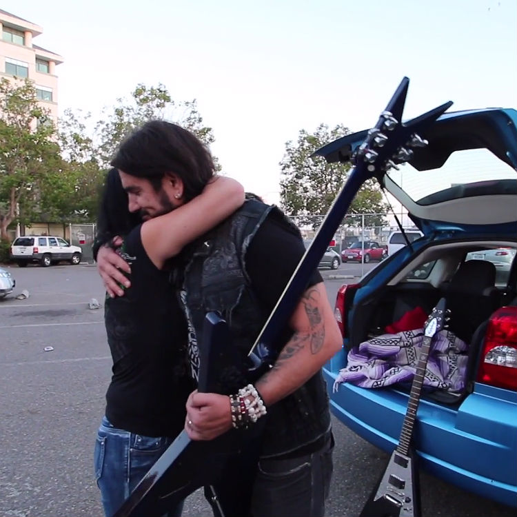 Machine Head Rob Flynn gets stolen Dimebag guitar returned