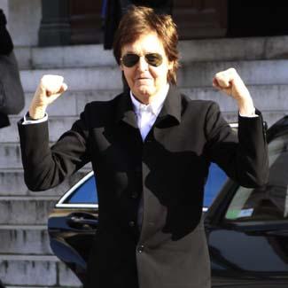 The Beatles Polska: Styczniowe pytanie do Paula: jakich rad na przyszłość udzieliłbyś młodszemu sobie?