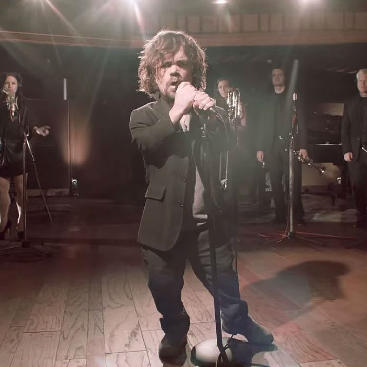Peter Dinklage + Coldplay sing Game Of Thrones for Red Nose Day