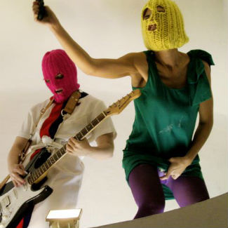 Pussy Riot members to stay in custody until January 2013