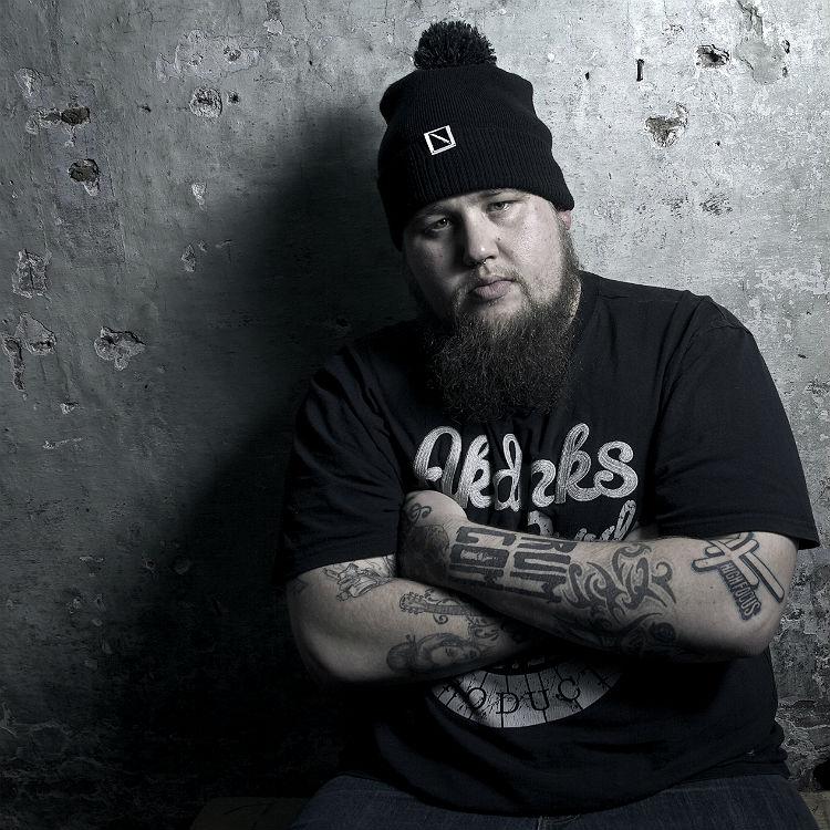 Rag N Bone Man Wolves tour video premiere from Brighton - watch