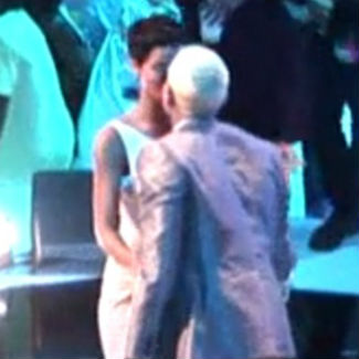 Rihanna, Chris Brown 'kiss on lips' at MTV VMAs