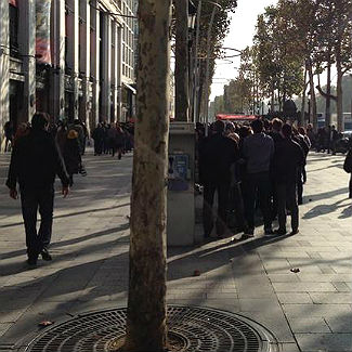 Photo: Rolling Stones fans line Paris streets for $20 gig tickets