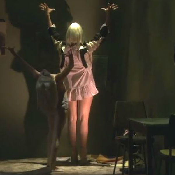 sia performs live version of chandelier on us