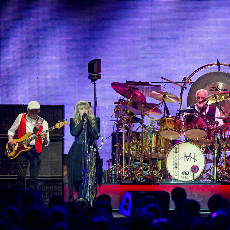 Fleetwood Mac O2 Arena review, photos, setlist