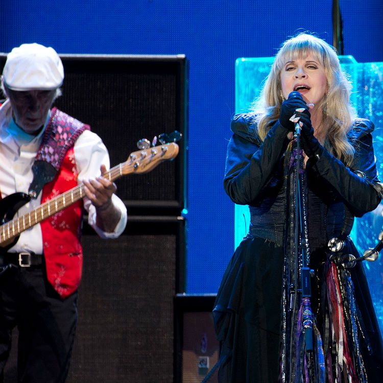 Fleetwood Mac O2 Arena show, Adele tribute - setlist & videos
