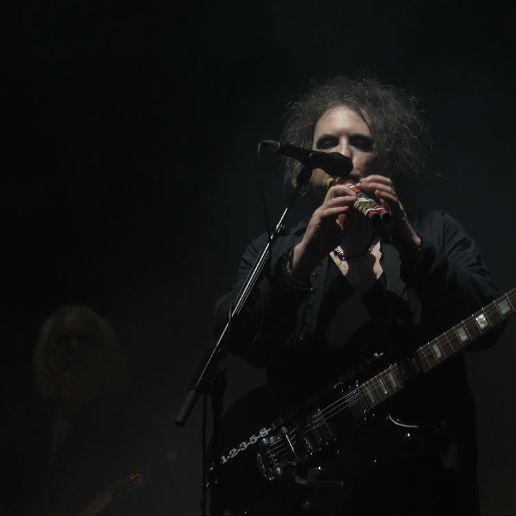 The Cure tour hits Montral Centre Bell in photos - setlist, tickets