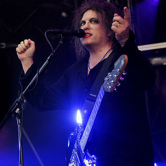 Rain dampens The Cure's Reading headline