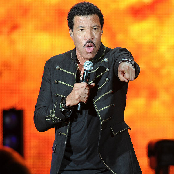 Lionel Richie review from Glastonbury 2015