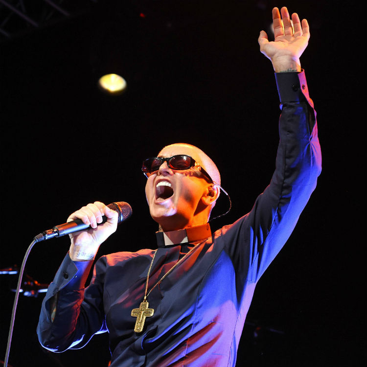 Sinead O'Connor accuses Arsenio Hall of supplying drugs to Prince